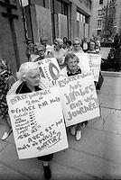 1974 06 10 SOI - CTCUM - Personne age - 10 cent
