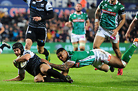 Dan Evans of Ospreys scores his sides first try during the Guinness Pro14 Round 4 match between the Ospreys and Benetton Rugby at the Liberty Stadium in Swansea, Wales, UK. Saturday 22 September 2018