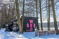Café im Skulpturenpark am Klostersee im Winter, Kloster Lehnin, Potsdam-Mittelmark, Brandenburg, Deutschland