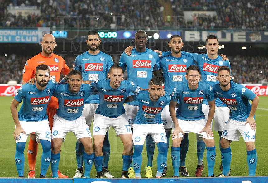 Calcio, Serie A: Napoli, stadio San Paolo, 21 ottobre 2017.<br /> Napoli's players pose for the pre match photograph prior to the start of the Italian Serie A football match between Napoli and Inter at Napoli's San Paolo stadium, October 21, 2017.<br /> UPDATE IMAGES PRESS/Isabella Bonotto