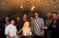 Europe/France/Rhône-Alpes/69/Rhône/Marcy-sur-Anse: Le conseil municipal dans le caveau municipal, dégustation