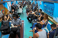 Campanha Novembro Azul no Metro, controle do cancer de prostata, Sao Paulo. 2017. Foto © Juca Martins.