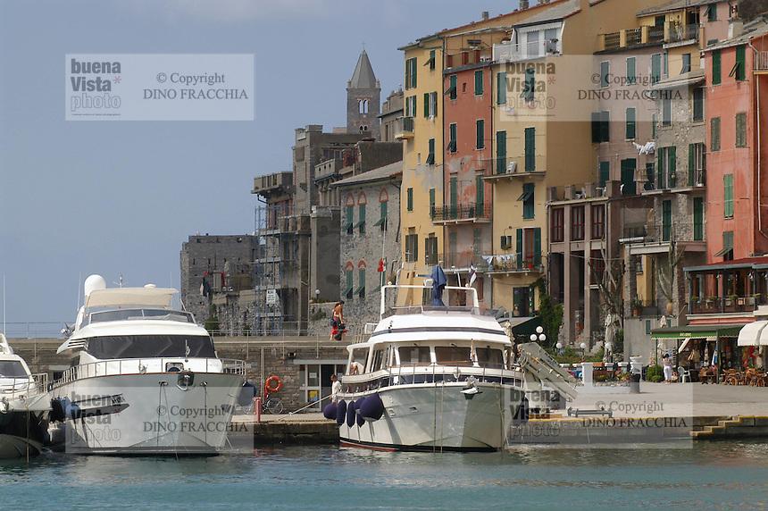 - general sight of the village and tourist port..- panoramica del paese e porto turistico