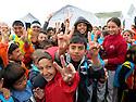 Iraq 2015 <br /> In the camp of Berseve, near Duhok,  Yazidi children welcoming visitors <br /> Irak 2015 <br /> Au camp de Berseve, enfants Yezidis accueillant des visiteurs.
