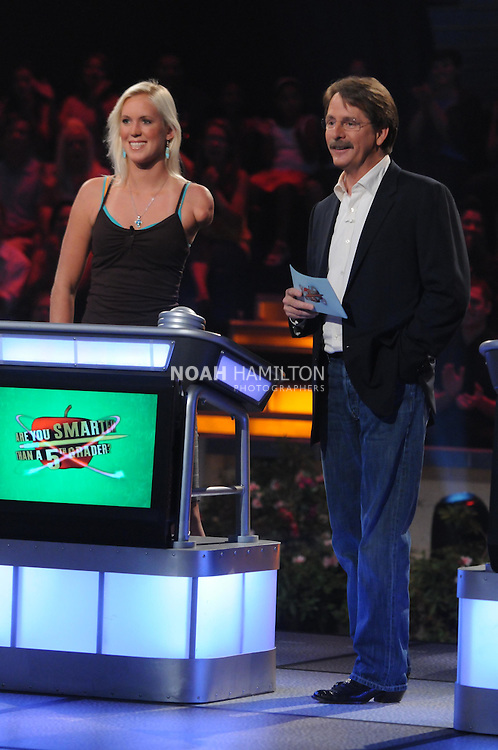 ARE YOU SMARTER THAN A 5th GRADER?: Shark attack survivor Bethany Hamilton (L) is a contestant on ARE YOU SMARTER THAN A 5th GRADER? airing Friday, Aug. 7 (8:00-9:00 PM ET/PT) on FOX. Also pictured: Jeff Foxworthy (R) ©2009 FOX Broadcasting Co. CR: Mike Yarish/FOX