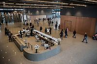 Washington- National Museum of African American History and Culture<br /> la hall, ufficio informazioni, atrio
