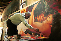 INDIA Mumbai Bombay, studio Ellora Arts is painting large cinema wall posters as advertise of Bollywood movies at cinema / INDIEN Mumbai Bombay, Atelier Ellora Arts malt grosse Kinoplakate fuer Bollywood Filme