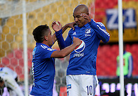 BOGOTÁ -COLOMBIA-13-02-2016. Jonathan Estrada ( Der) de Millonarios  celebra su gol contra  el Deportivo Pasto durante partido por la fecha 3 de Liga Águila I 2016 jugado en el estadio Nemesio Camacho El Campin de Bogotá./ Jonathan Estrada  of Millonarios celebrates his goal against  of Deportivo Pasto  during the match for the date 3 of the Aguila League I 2016 played at Nemesio Camacho El Campin stadium in Bogota. Photo: VizzorImage / Felipe Caicedo / Staff
