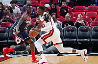 Bam Adebayo (C/F Miami Heat, #13) gegen Isaac Bonga (G/F, Washington Wizards, #17) - 22.01.2020: Miami Heat vs. Washington Wizards, American Airlines Arena