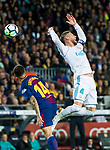 Sergio Ramos (R) of Real Madrid fights for the ball with Philippe Coutinho of FC Barcelona during the La Liga 2017-18 match between FC Barcelona and Real Madrid at Camp Nou on May 06 2018 in Barcelona, Spain. Photo by Vicens Gimenez / Power Sport Images