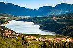 Italien, Trentino, bei Cles: die Santa-Giustina-Talsperre im Val di Non, staut den Noce zum Santa-Giustina-See (Lago di Santa Giustina) | Italy, Trentino, near Cles: Lago di Santa Giustina