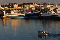Europe/France/Bretagne/29/Finistère/Guilvinec: le port de pèche et les maisons de Lechiagat