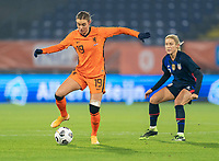 BREDA, NETHERLANDS - NOVEMBER 27: Jill Roord #19 of the Netherlands controls the ball during a game between Netherlands and USWNT at Rat Verlegh Stadion on November 27, 2020 in Breda, Netherlands.