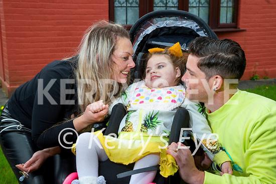 Alexis O'Mahony with her parents Stephen and Teresa O'Mahony, Woodlawn Killarney.