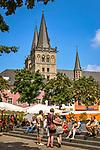 Deutschland, Nordrhein-Westfalen, Xanten: ehemalige Stiftskirche St. Viktor (Xantener Dom) und Marktplatz | Germany, Northrhine-Westphalia, Xanten: Xanten cathedral and market square