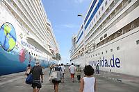 Norwegian Breakaway und AIDA mar im Hafen von Road Town