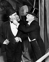 James Cagney and Walter Catlett (L) in YANKEE DOODLE DANDY