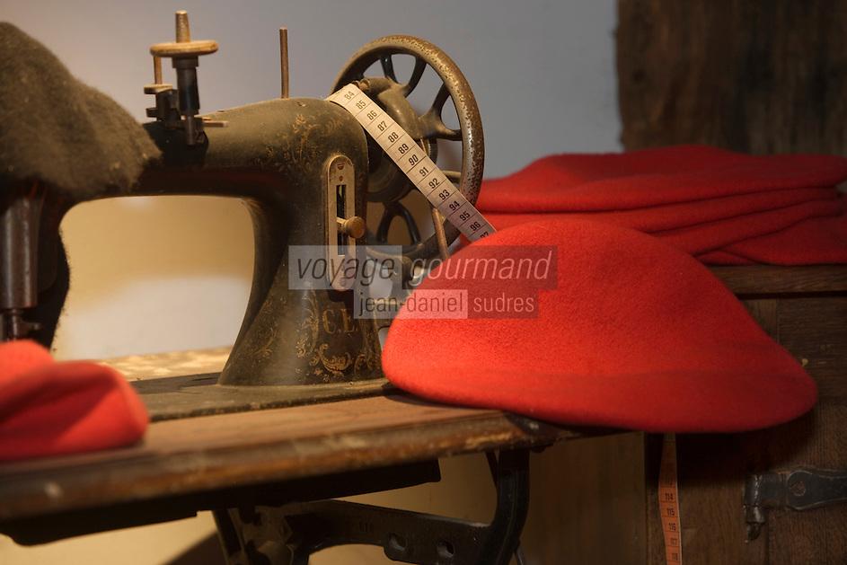 Europe/France/Aquitaine/64/Pyrénées-Atlantiques/Saint-Jean-de-Luz: Fabrication artisanale du Béret Basque -Ecomusée de la Tradition Basque