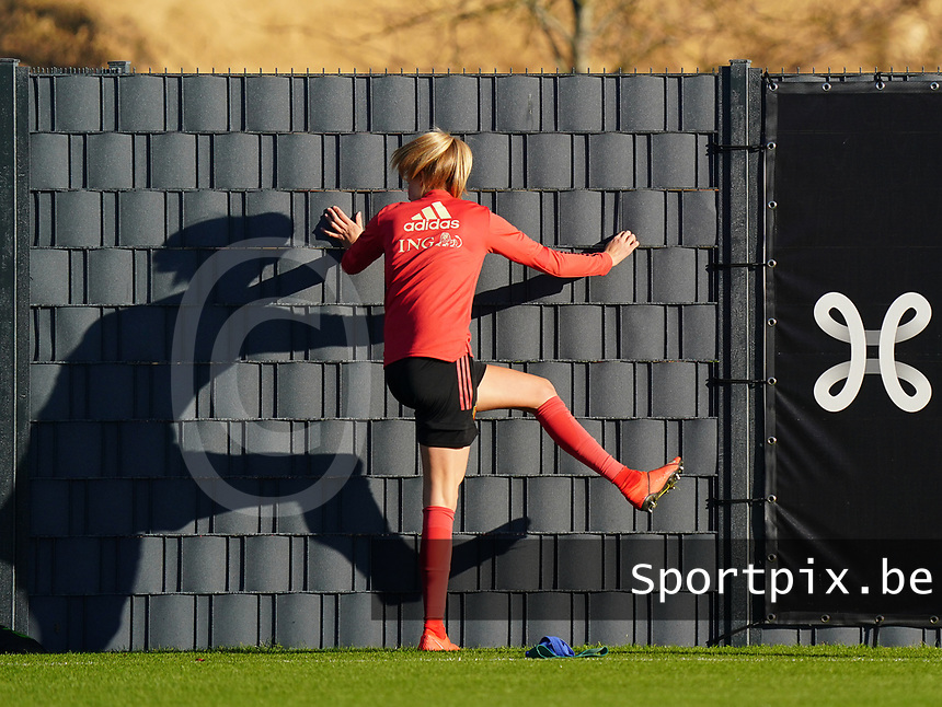 20200911 - TUBIZE , Belgium : Justine Vanhaevermaet warms up during the training session of the Belgian Women's National Team, Red Flames ahead of the Women's Euro Qualifier match against Switzerland, on the 28th of November 2020 at Proximus Basecamp. PHOTO: SEVIL OKTEM | SPORTPIX.BE