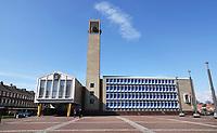 Nederland IJmuiden 2021. Plein 1945. Het stadhuis van de gemeente Velsen is ontworpen door Willem Marinus Dudok.  Foto ANP / Hollandse Hoogte / Berlinda van Dam