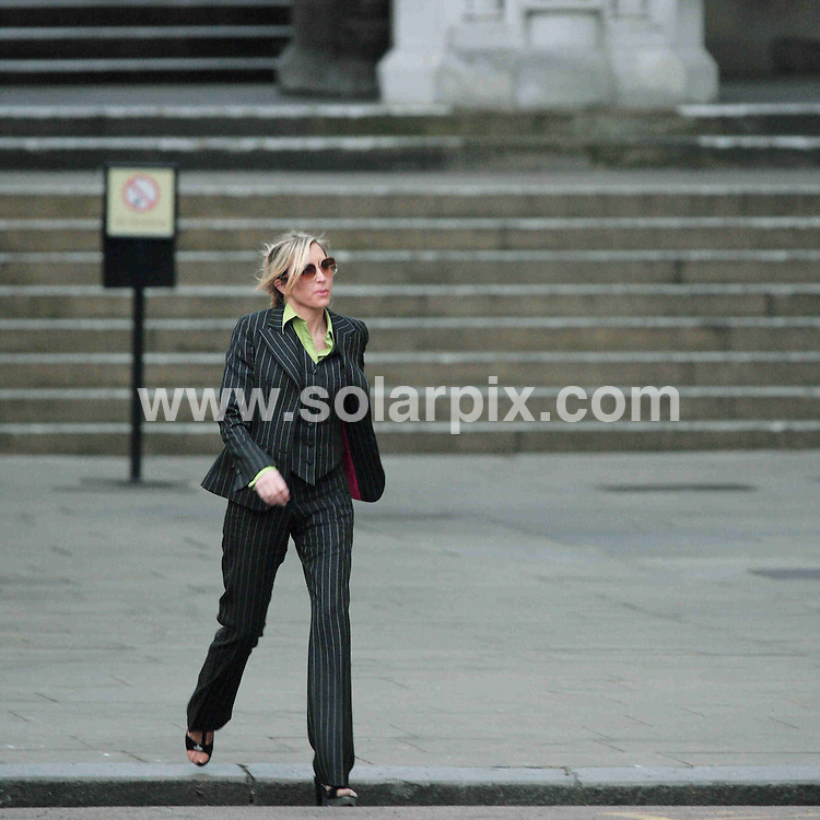 **ALL ROUND PICTURES FROM SOLARPIX.COM**.**NO UK NEWSPAPER PUBLICATION **UK MAGAZINE PUBLICATION ONLY** AND NO PUBLICATION IN FRANCE, SCANDINAVIA, AUSTRALIA AND GERMANY** .Heather Mills pictured leaving  the High Court in London this evening after day three of her divorce settlement hearing against Paul McCartney. London. 13th February 2008..JOB REF:         SFE       DATE: .**MUST CREDIT SOLARPIX.COM OR DOUBLE FEE WILL BE CHARGED* *UNDER NO CIRCUMSTANCES IS THIS IMAGE TO BE REPRODUCED FOR ANY ONLINE EDITION WITHOUT PRIOR PERMISSION*