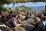 Italien, Suedtirol, Buschenschank Haidenhof oberhalb von Tscherms bei Meran  | Italy, South Tyrol, Alto Adige, mountain Inn Haidenhof above Tscherms near Merano