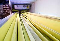 Zahlreiche Schläuche hängen zum Trocknen im Feuerwehrturm - Moerfelden-Walldorf 14.08.2020: Aufräumarbeiten bei der Feuerwehr Walldorf nach dem großen Waldbrand nahe dem Frankfurter Flughafen, emonline