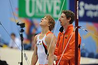 TURNEN: ROTTERDAM: Ahoy, WK Turnen, 18-10-2010, Epke Zonderland (NED), trainer Daniël Knibbeler, kwalificatie rek, ©foto Martin de Jong