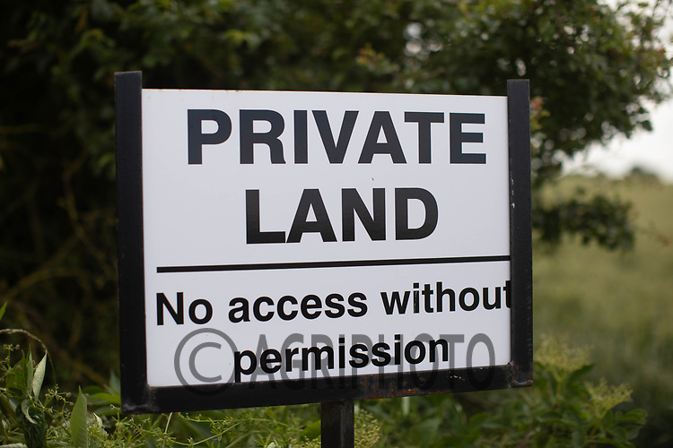 Private land sign <br /> ©Tim Scrivener Photographer 07850 303986<br />      ....Covering Agriculture In The UK....