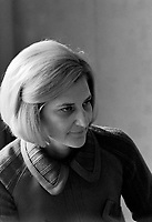 Madame Andree Simard la conjointe du Premier ministre Robert Bourassa<br /> le 28 septembre 1971<br /> Photographe : Photo Moderne<br /> © Agence Quebec Presse