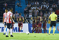 BARRANQUIILLA - COLOMBIA, 23-01-2019: Jugadores de Deportes Tolima celebran después de anotar un gol a Atlético Junior durante partido de ida por la Súper Liga Águila 2019 jugado en el estadio Metropolitano Roberto Melendez de la ciudad de Barranquilla. / Players of Deportes Tolima celebrate after scoring a goal to Atletico Junior during first leg match of the Aguila Super League 2019 played at Metropolitano Roberto Melendez stadium in Barranquilla city.  Photo: VizzorImage / Alfonso Cervantes / Cont