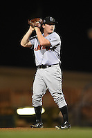 Jupiter Hammerheads pitcher CJ Robinson (25) gets ready to deliver a pitch during a game against the Bradenton Marauders on April 17, 2015 at McKechnie Field in Bradenton, Florida.  Bradenton defeated Jupiter 11-6.  (Mike Janes/Four Seam Images)