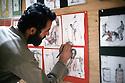 Irak 1991 Exposition de dessins de tortures infligées aux prisonniers par le régime irakien   Iraq 1991  Exhibition in a mosque, drawings of torture on prisoners in the hands of the Iraqi army