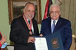 Palestinian president Mahmoud Abbas honors Egyptian actor Ashraf Zaki, in Cairo, Egypt, on September 2, 2021. Photo by Thaer Ganaim