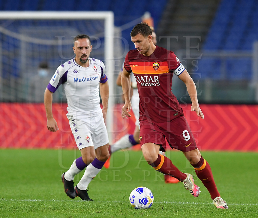 Football, Serie A: AS Roma - Fiorentina, Olympic stadium, Rome, November 1, 2020. <br /> Roma's captain Edin Dzeko (r) in action with Fiorentina's captain Franck Ribery (l) during the Italian Serie A football match between Roma and Fiorentina at Olympic stadium in Rome, on November 1, 2020. <br /> UPDATE IMAGES PRESS/Isabella Bonotto