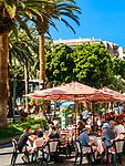 Spanien, Kanarische Inseln, Teneriffa, Puerto de la Cruz: Plaza de la Iglesia - Café und Restaurant | Spain, Canary Islands, Tenerife, Puerto de la Cruz: Plaza de la Iglesia - café and restaurant