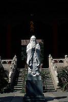 China, Peking, Konfuziustempel, Statue Konfuzius