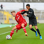 v.li.: Jann-Fiete Arp (Bayern München, FCB, 9) Redondo Hussein (Kaiserslautern, 11) im Zweikampf, Duell, duel, tackle, Dynamik, Action, Aktion beim Spiel in der 3. Liga, FC Bayern München II -1. FC Kaiserslautern.<br /> <br /> Foto © PIX-Sportfotos *** Foto ist honorarpflichtig! *** Auf Anfrage in hoeherer Qualitaet/Aufloesung. Belegexemplar erbeten. Veroeffentlichung ausschliesslich fuer journalistisch-publizistische Zwecke. For editorial use only. DFL regulations prohibit any use of photographs as image sequences and/or quasi-video.