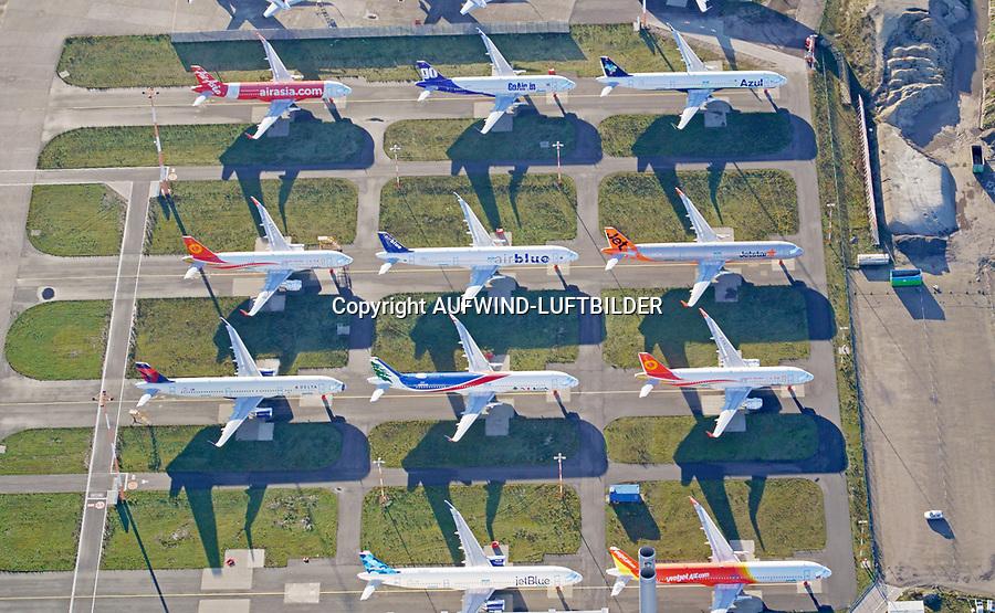Abgestellte Verkehrsflugzeuge in Hamburg Finkenwerder: EUROPA, DEUTSCHLAND, HAMBURG, FINKENWERDER, (EUROPE, GERMANY), 25.12.2020:  Abgestellte Verkehrsflugzeuge in Hamburg Finkenwerder