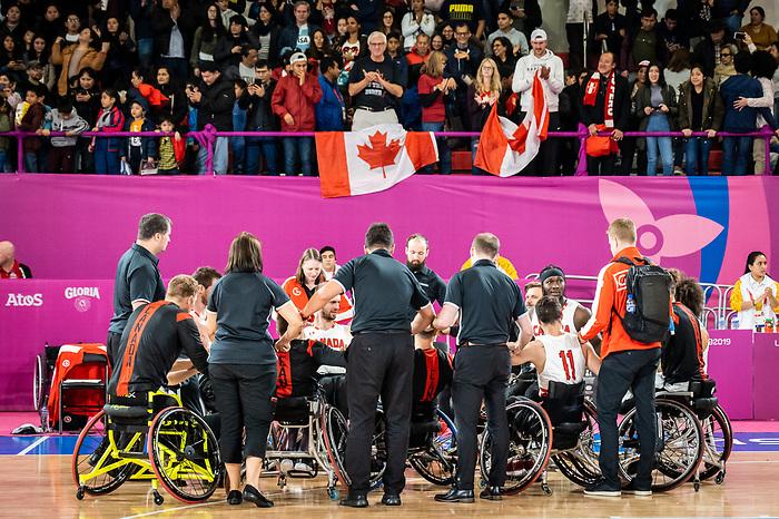 Lima 2019 - Wheelchair Basketball // Basketball en fauteuil roulant.<br /> Men's wheelchair basketball takes on Colombia in the semifinal game // Le basketball en fauteuil roulant masculin affronte la Colombie en demi-finale. 30/08/2019.