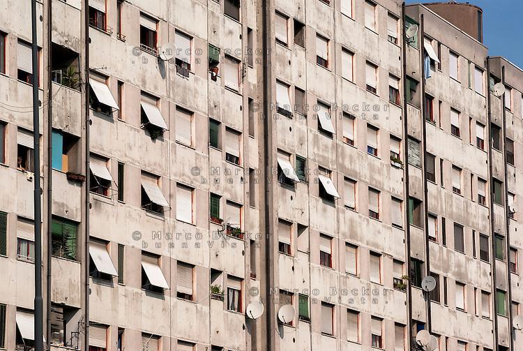 Milano, case popolari al quartiere Salomone (La Trecca), periferia est --- Milan, public housing at Salomone district (La Trecca), east periphery