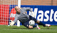 USA's Marcus Hahnemann during practice in Hamburg, Germany, for the 2006 World Cup, June, 9, 2006.