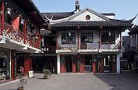 Asie/Chine/Jiangsu/Nankin: Quartier du Temple de Confucius - Détail d'une maison typique - balcon et lampions