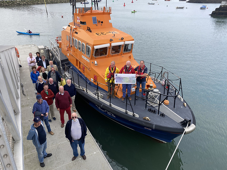 Howth RNLI presented DBOGA with a Letter of thanks from the Institution for their generous support.