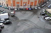 Intervento di pulizia nel quartiere San Lorenzo. Operatori dell' AMA mentre spazzano la strada e la piazza. L' idropulitrice effettua un' intervento di lavaggio e sanificazione della sede stradale e dei marciapiedi..Speech cleaning in San Lorenzo district. Operators of AMA while sweep the street and the square. .The washer machine while makes intervention of  washing and sanitation of the roadway and sidewalks....