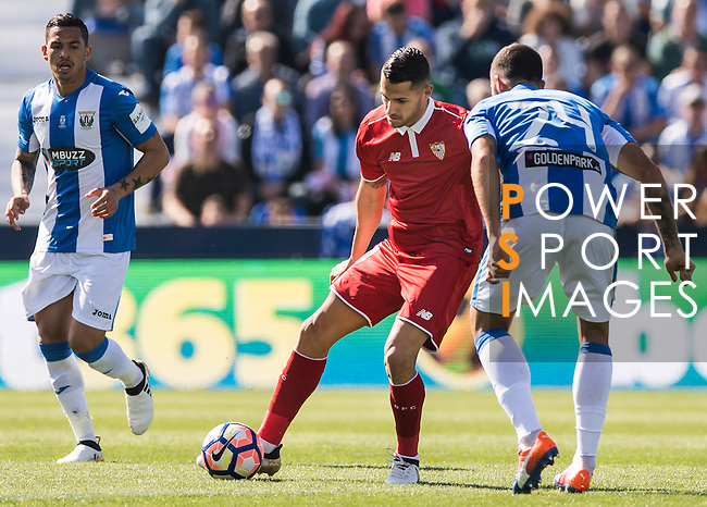 Vitolo of Sevilla FC fights for the ball with David Timor Copovi of Deportivo Leganes during their La Liga match between Deportivo Leganes and Sevilla FC at the Butarque Municipal Stadium on 15 October 2016 in Madrid, Spain. Photo by Diego Gonzalez Souto / Power Sport Images