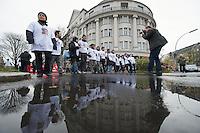 Demonstration zum Jahrestag der Enttarnung des NSU<br />Ca. 800 Menschen zogen am Samstag den 2. November 2013 mit einer Demonstration anlaesslich es 2. Jahrestag der Enttarnung des NSU (4.11.2011) in Gedenken an die NSU-Opfer durch Berlin.<br />2.11.2013, Berlin<br />Copyright: Christian-Ditsch.de<br />[Inhaltsveraendernde Manipulation des Fotos nur nach ausdruecklicher Genehmigung des Fotografen. Vereinbarungen ueber Abtretung von Persoenlichkeitsrechten/Model Release der abgebildeten Person/Personen liegen nicht vor. NO MODEL RELEASE! Don't publish without copyright Christian-Ditsch.de, Veroeffentlichung nur mit Fotografennennung, sowie gegen Honorar, MwSt. und Beleg. Konto:, I N G - D i B a, IBAN DE58500105175400192269, BIC INGDDEFFXXX, Kontakt: post@christian-ditsch.de<br />Urhebervermerk wird gemaess Paragraph 13 UHG verlangt.]