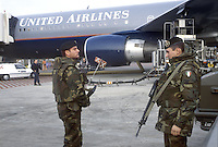- Italian Army soldiers in anti-terrorism Security Service at Milan Malpensa airport....- militari in servizio di sicurezza antiterrorismo all'aeroporto di  Milano Malpensa