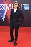 Jack Farthing bei der Premiere des Kinofilms 'The Lost Daughter' auf dem 65. BFI London Film Festival 2021 in der Royal Festival Hall. London, 13.10.2021 . Credit: Action Press/MediaPunch **FOR USA ONLY**