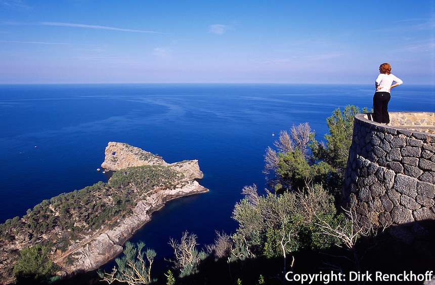 Spanien, Mallorca, Lochfelsen Na Foradada bei Son Marroig